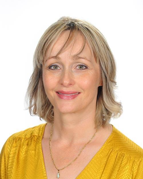 Mrs Kirsten Gunning